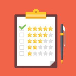 prancheta com estrelas e pena da avaliação. controle de qualidade, opiniões dos clientes, conceitos de classificação de serviço